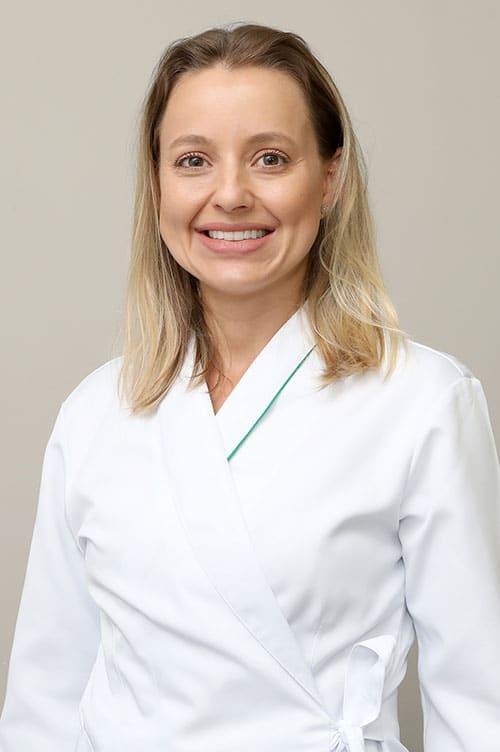 Dra. Fernanda Correa