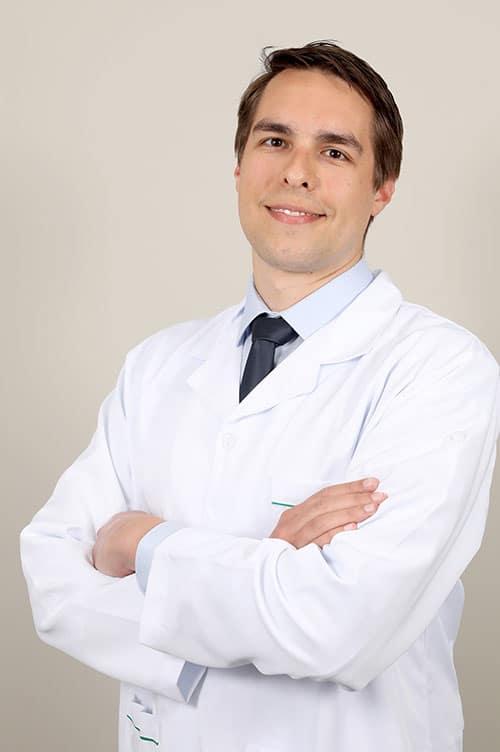Dr. Raoni Bins