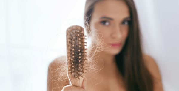 Anestesia causa queda de cabelo? Descubra a verdade
