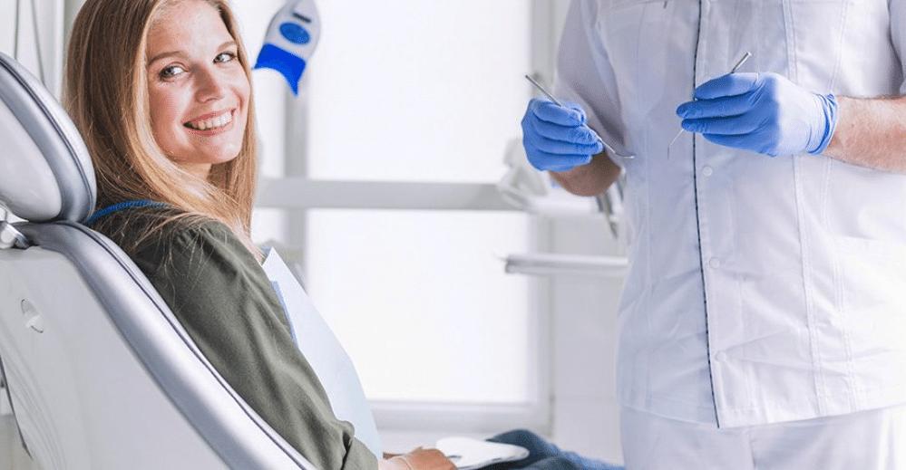 Entenda como é feita a sedação venosa para implante dentário